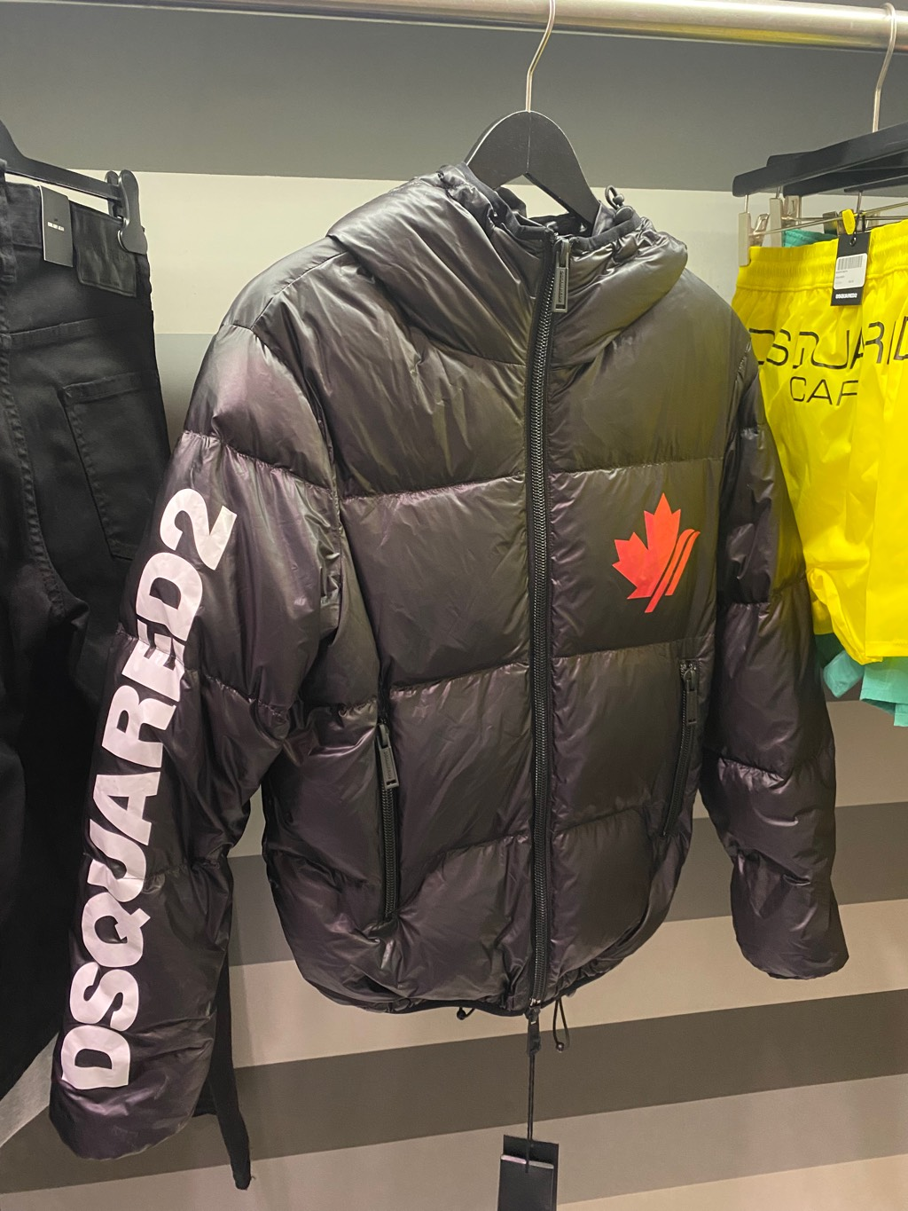 Dsquared2 puffer jacketDsquared24