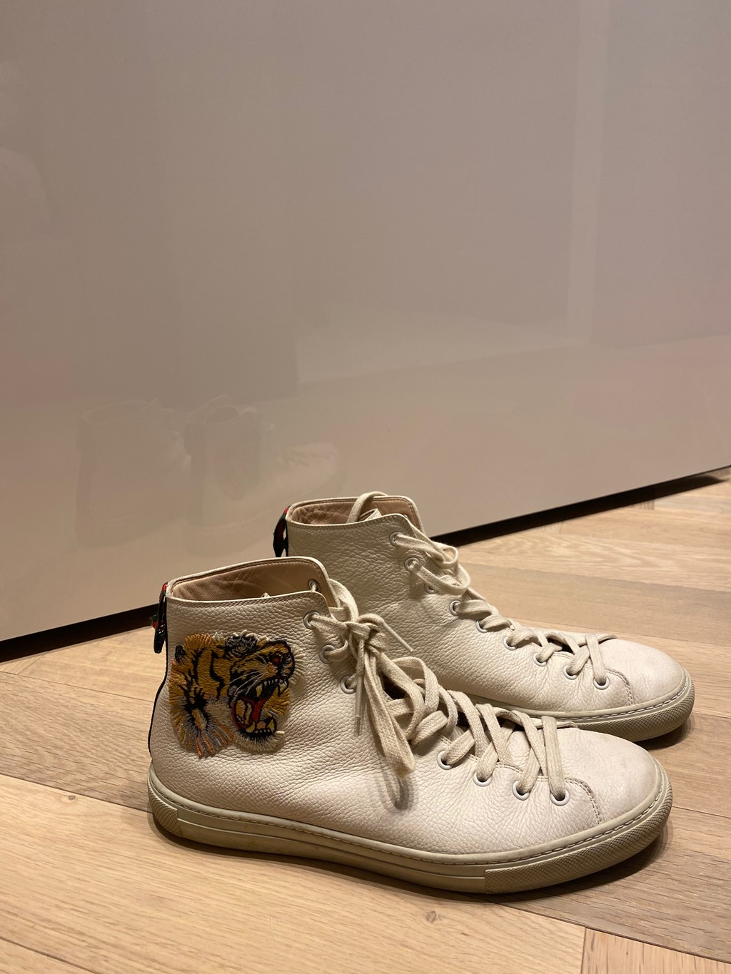 Gucci white leather high top with tigerGucci1