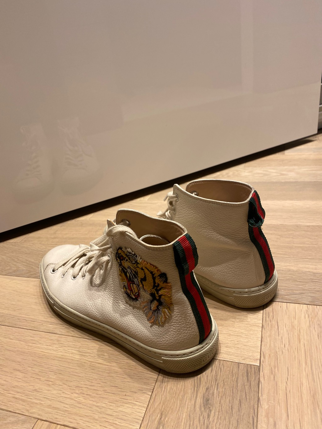 Gucci white leather high top with tigerGucci0
