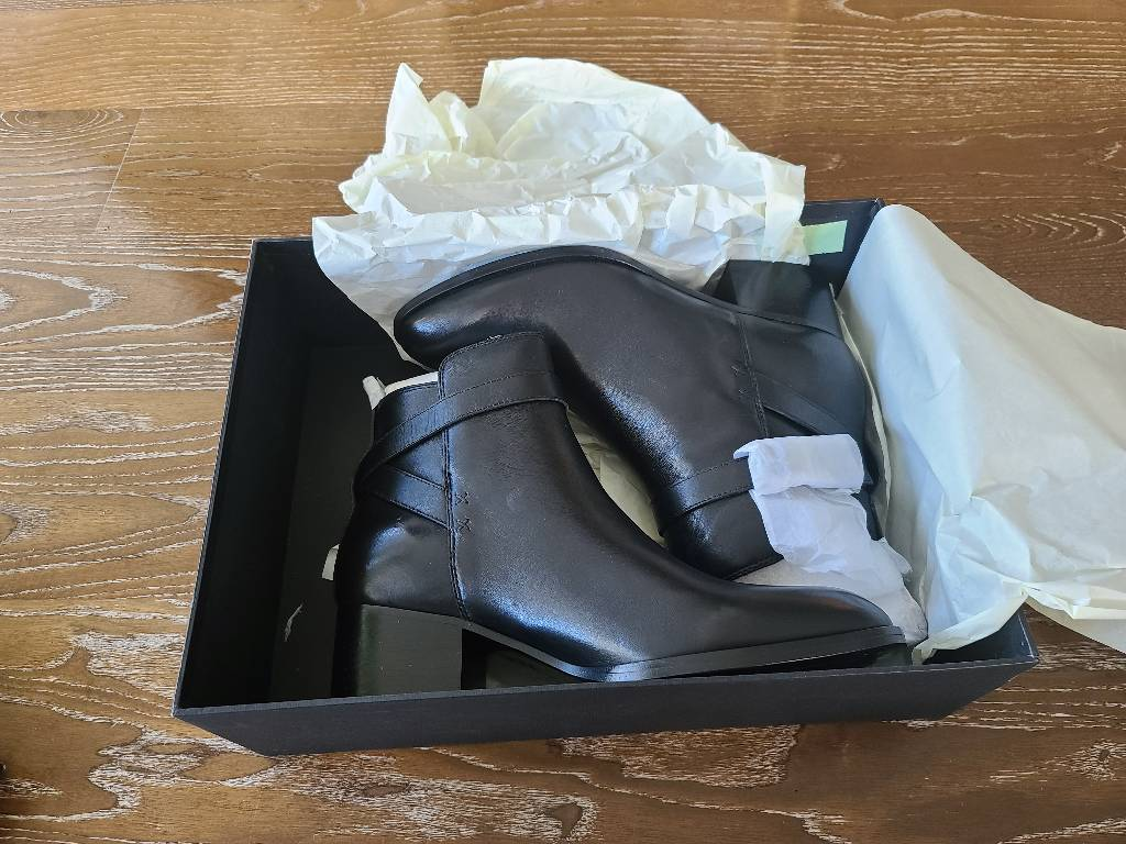 Rag & Bone size 38.5 fits like a size 9, brand new with complete package Other1