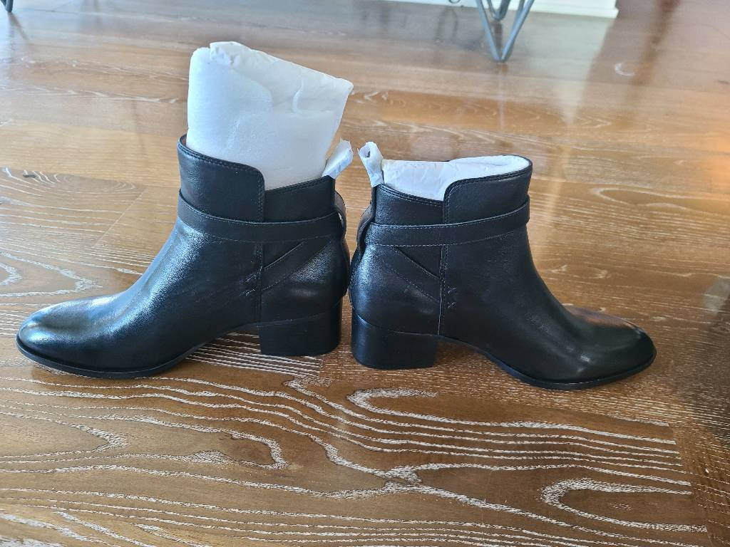 Rag & Bone size 38.5 fits like a size 9, brand new with complete package Other3