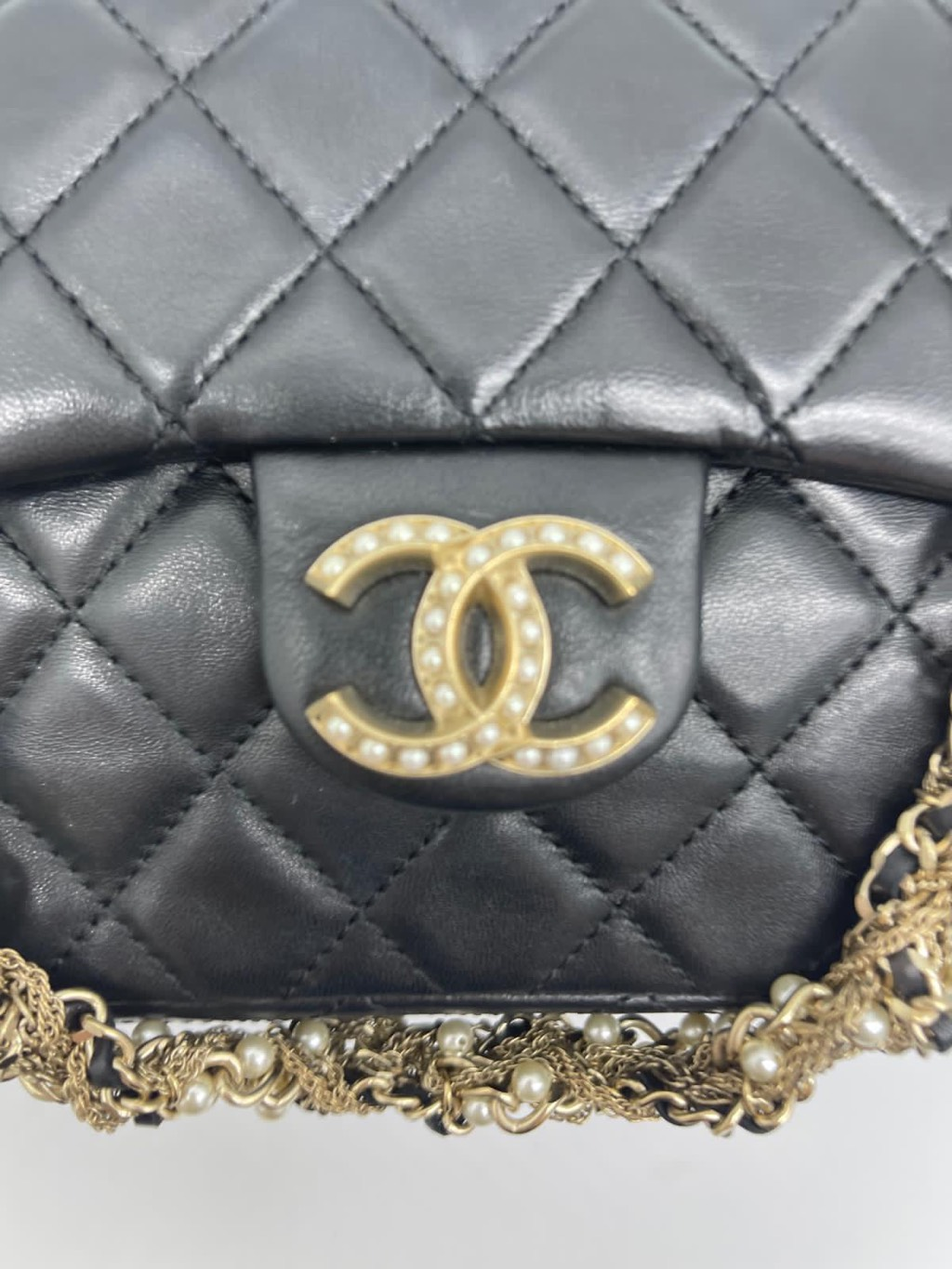westminster pearl flapChanel0